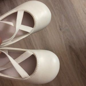 Other - WHITE BALLERINA BABY TODDLER SHOES 4